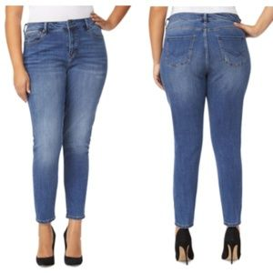 Rebel Wilson X Angels The Pin Up Skinny Jeans